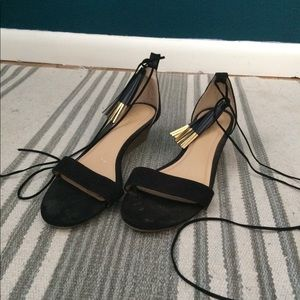 Old navy lace up low wedges